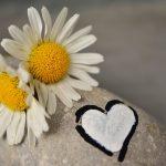 どうにもならない恋は断ち切るべき?自分が既婚者の場合