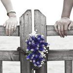 昔の彼氏から連絡がくる!お互い既婚者だけどどうすべき?